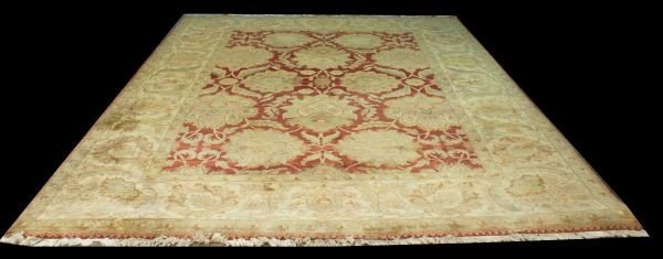 20F: HAND KNOTTED WOOL MAHAL RUG IN WHEAT, OLIVE, PLUM