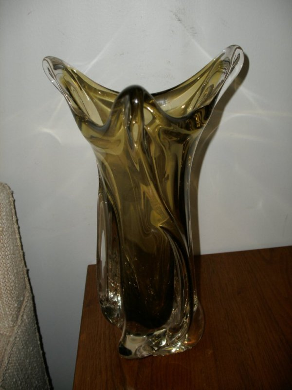 22: MURANO CLEAR AND OLIVE GREEN CASED VASE