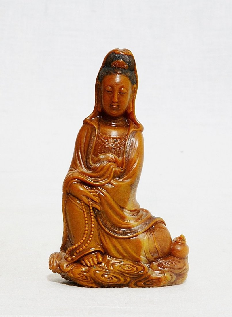 Well Hand Carved Chinese Yellow Shou-Shan Stone Kwan-Yi