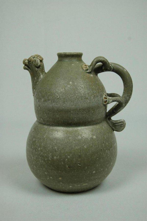 2009: Chinese  Antique  Ceramic  Wine  Bottle