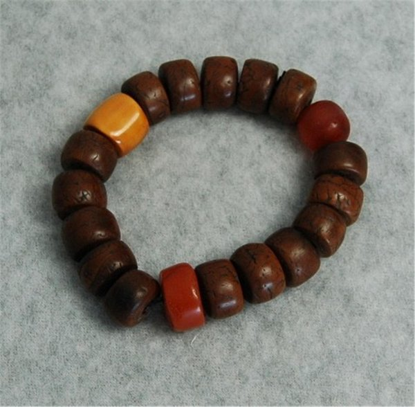 2512: Chinese  Carved  Wood  Bead  Bracelet