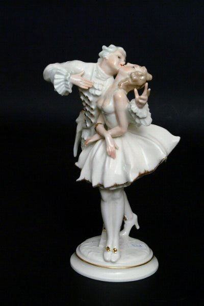 16: Hutschenreuther Figural Group