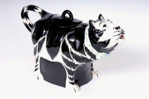 16: Ceramic Cat Form Tea Pot, Hatton
