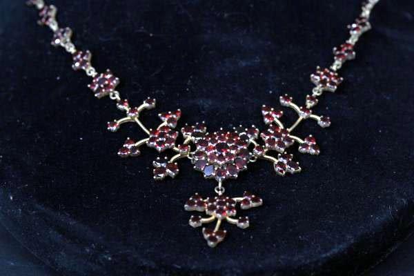 18: Antique Garnet Necklace