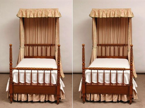 100: Pair of Maple Jenny Lind Twin Beds
