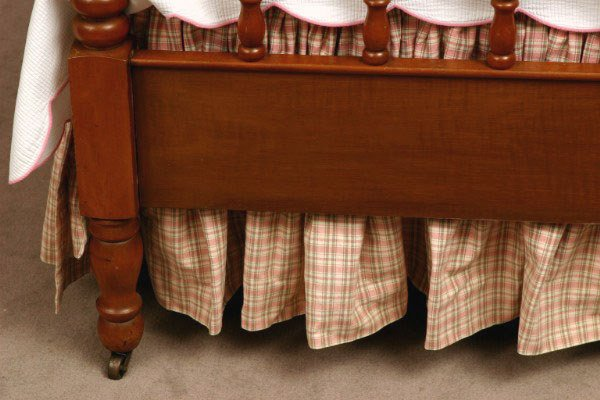 100: Pair of Maple Jenny Lind Twin Beds - 9