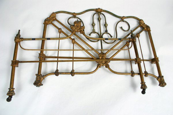 22: Cast Iron 3/4 Bed