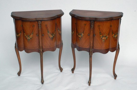 24: Pr. French Satinwood Commodes