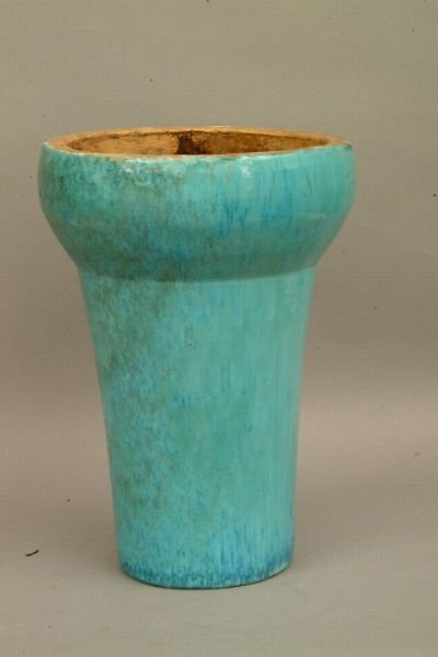 263: American Art Pottery Stand
