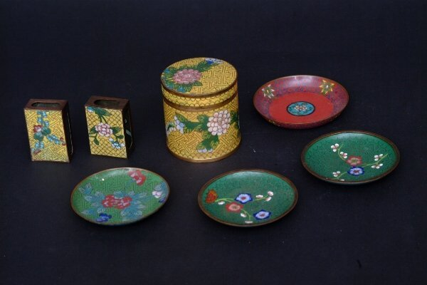 24: Chinese Cloisonné Smoking Set