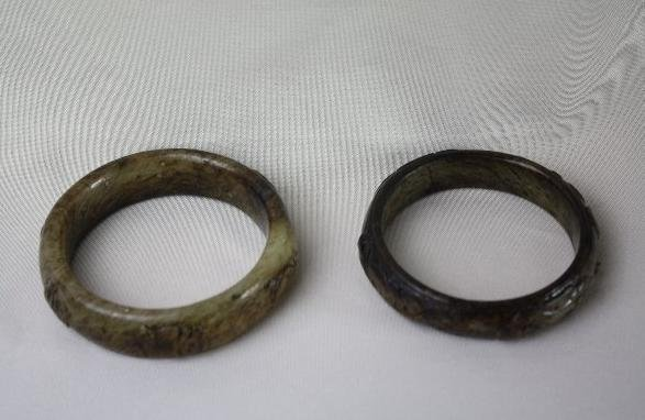 4018: Chinese Carved Jade Antique Bracelets Two Pieces