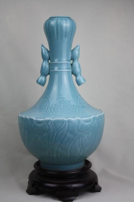 5009: Chinese Blue Glazed Porcelain Vase