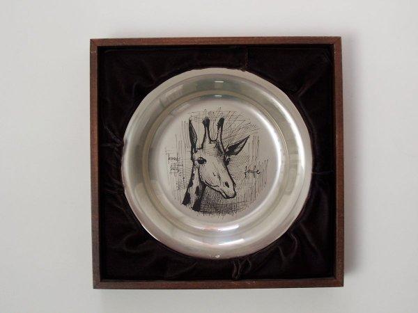 11152: BERNARD BUFFET Silver Plate with Etching Giraffe - 2