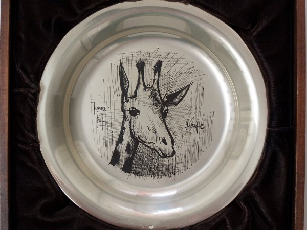 11152: BERNARD BUFFET Silver Plate with Etching Giraffe - 5