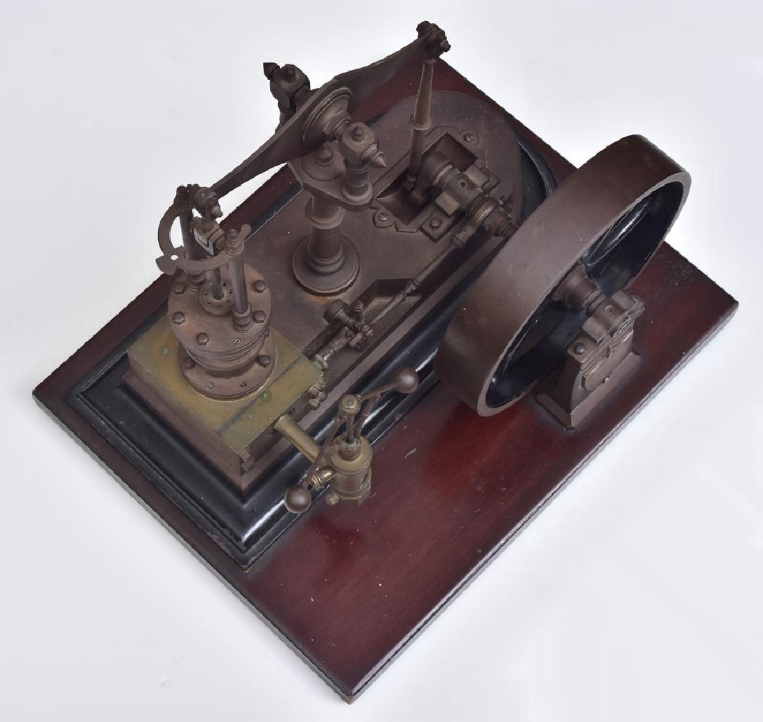Model Steam Engine - 6