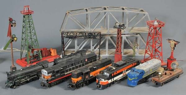 13: GROUP OF O-GAUGE LIONEL TRAINS AND ACCESSORIES incl