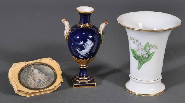 102: MEISSEN PATE-SUR-PATE VASE together with a Meissen