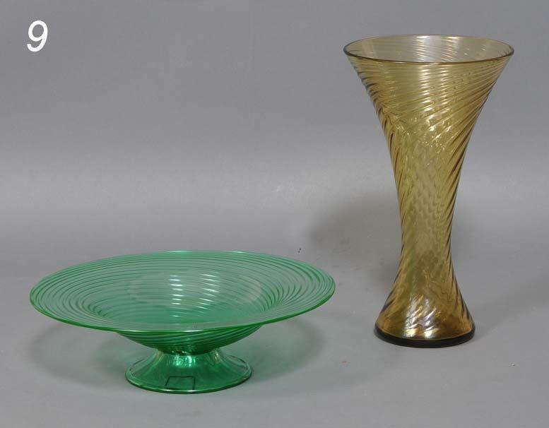 9: PAIR OF STEUBEN SWIRL GLASS ARTICLES an amber vase a