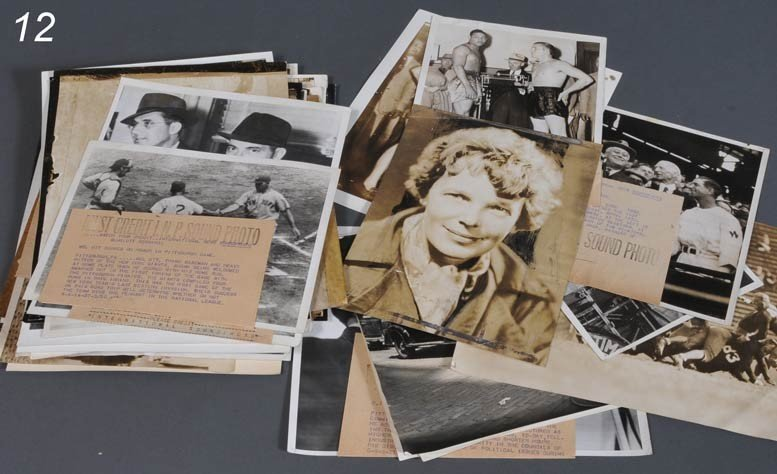 12: GROUPING OF PRESS WIRE PHOTOS including sports and