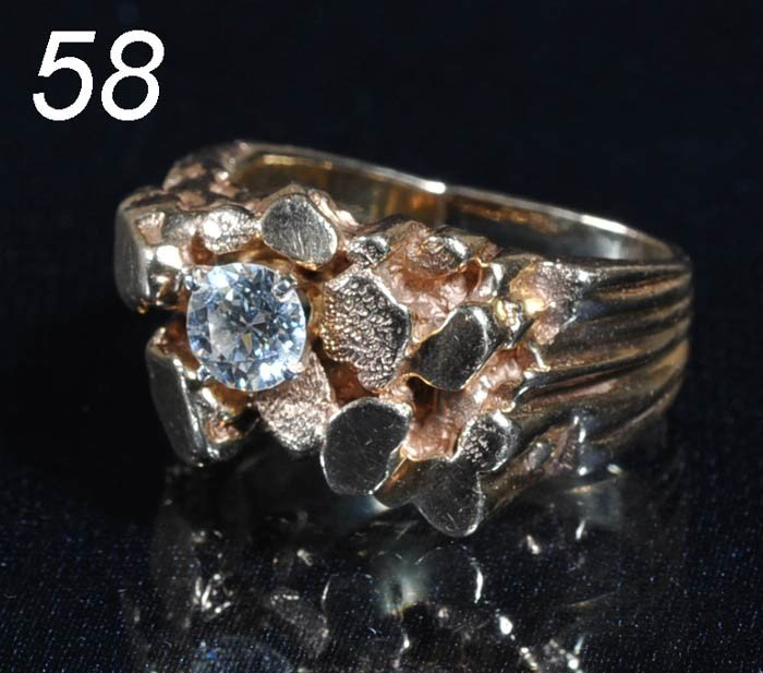 58: DIAMOND RING 14k gold with approx. .65 ct center di