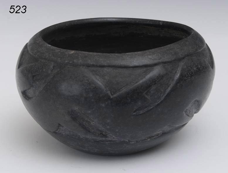 523: SANTA CLARA SCULPTED BLACKWARE BOWL with water ser