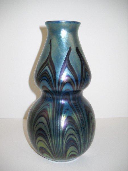 10: ART GLASS VASE
