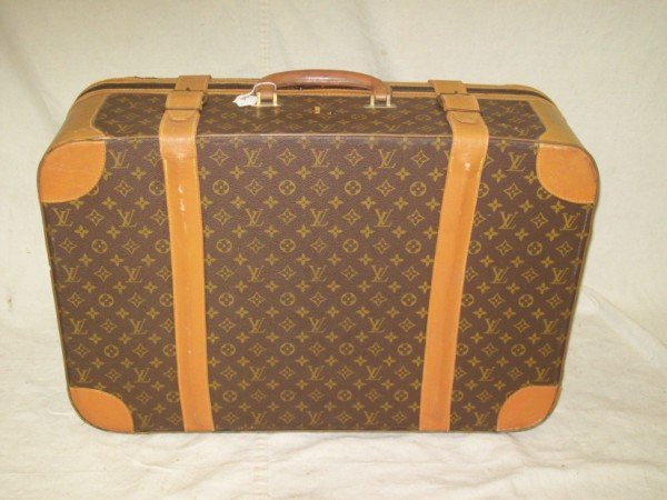 199: AUTHENTIC LOUIS VUITTON LUGGAGE