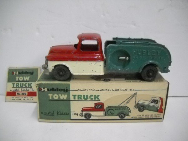 9: HUBLEY TOW TRUCK