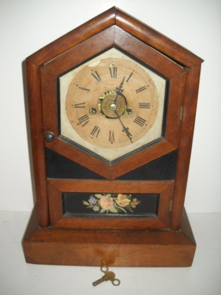 10: MANTLE CLOCK