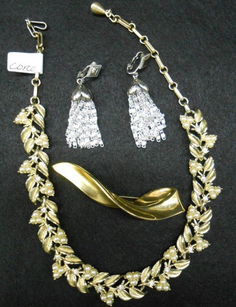 10A: 3 PIECES COSTUME JEWELRY