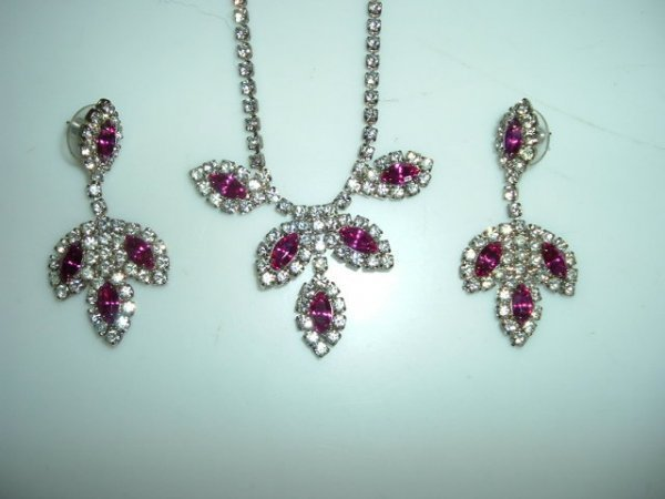 2518309: Rhinestone and Cranberry Glass Necklace and
