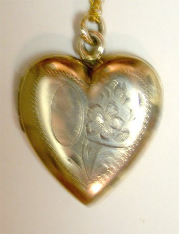 2518577: Vintage Heart Locket