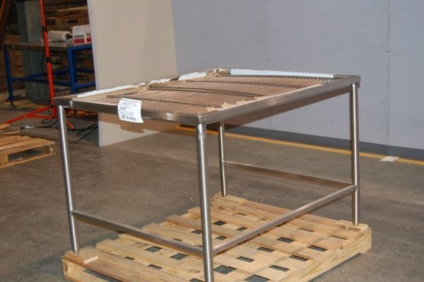 14: Stainless Steel Table with 2 Racks