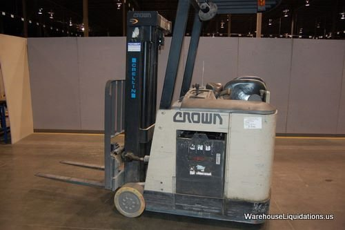 238: Crown Forklift