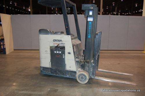 239: Crown Forklift