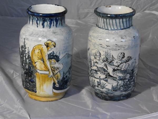 198: Pair of Savona vases