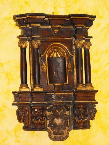 24: Wooden tabernacle