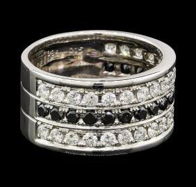 0.84 ctw Diamond and Black Diamond Ring - 18KT White