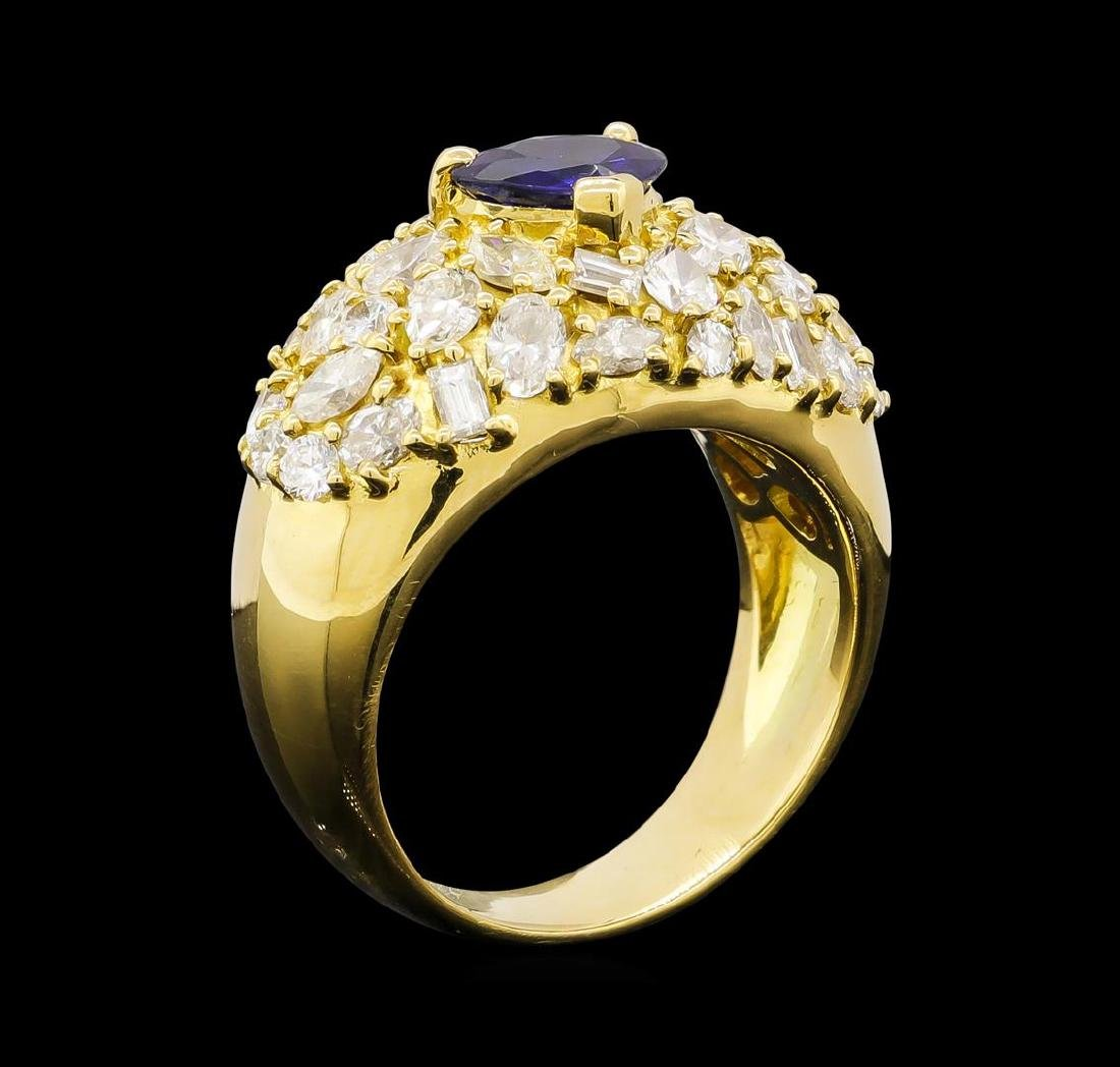 Sapphire and Diamond Ring - 18KT Yellow Gold - 4