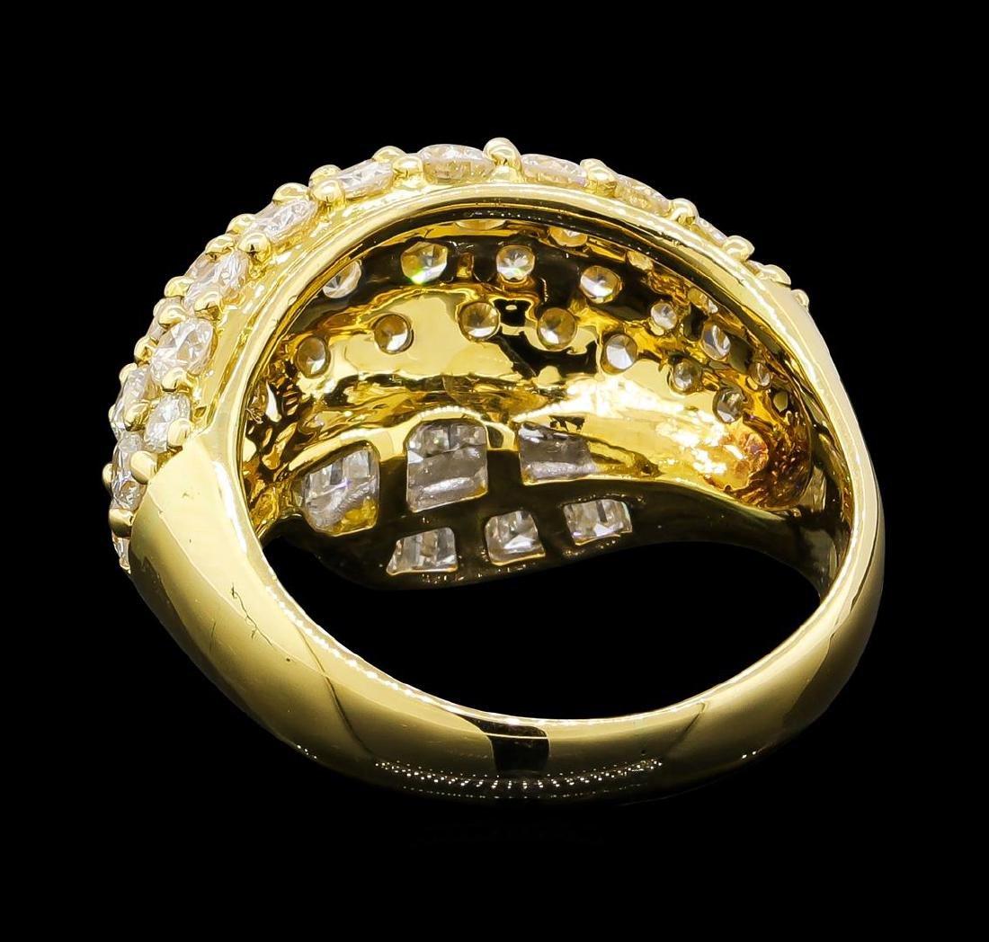 3.10 ctw Diamond Ring - 18KT Yellow Gold - 3