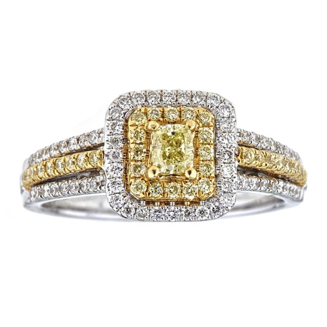 0.77 ctw Yellow and White Diamond Ring - 18KT White and