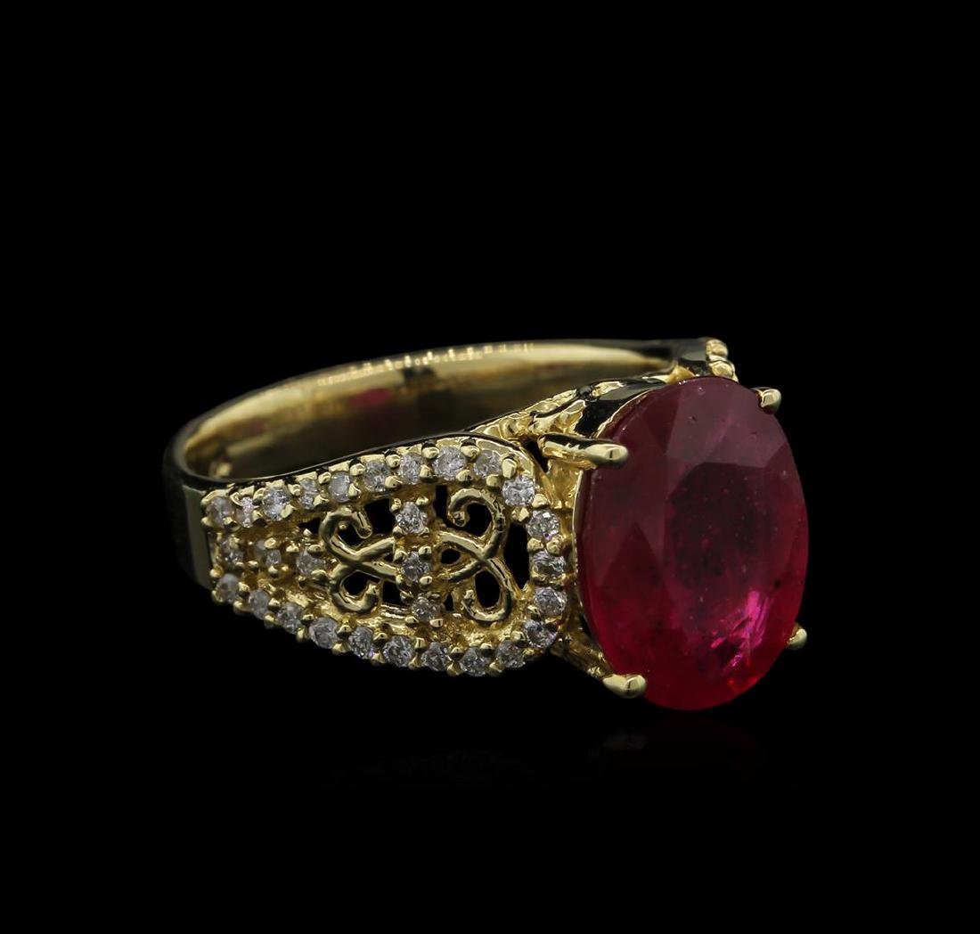 4.35 ctw Ruby and Diamond Ring - 14KT Yellow Gold