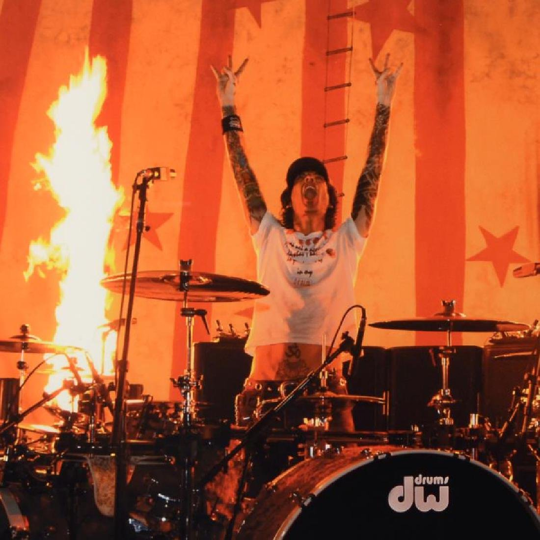 Tommy Lee by Shanahan, Rob - 2