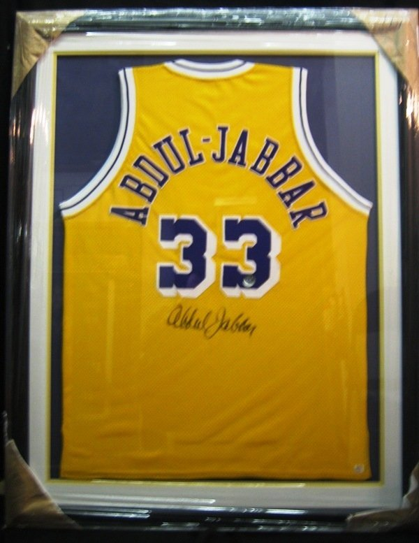 188: Kareem Abdul-Jabbar Framed Signed Lakers Jersey