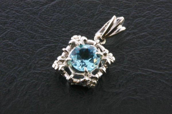 5: Ladies Blue Topaz Diamond Pendant 3.18ctw - DI132