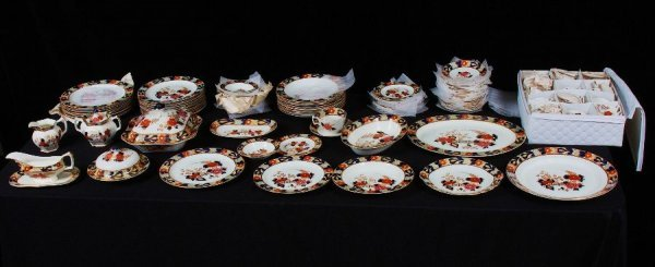 6: (97) Piece Enoch Ralph Vintage English China Set #65