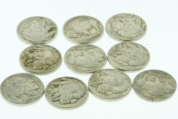 14: Collection of Buffalo Nickels (10) K32