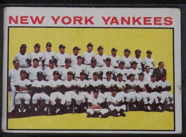 19: 1964 Yankees Team Vintage Baseball Card C18