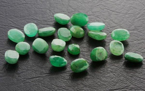 10: Emerald Parcel 20 Gemstones 25.19cts - DG99