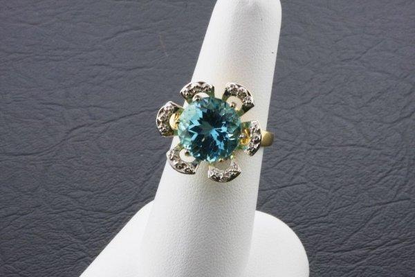 22: Ladies Aquamarine Diamond Ring 8.27ctw - DI71